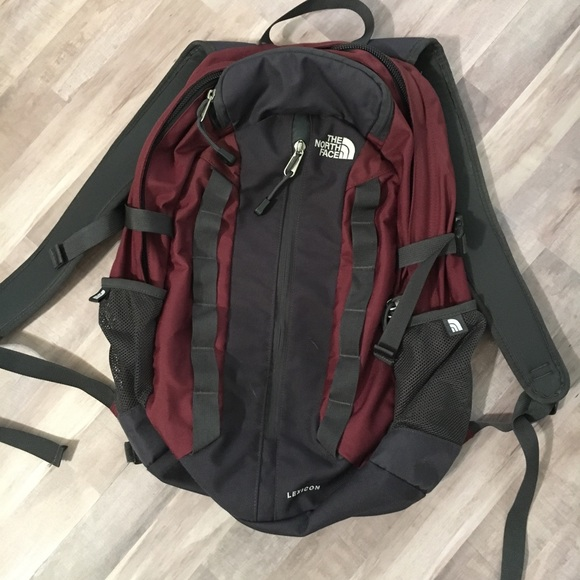 291be5077264 THE NORTH FACE LEXICON backpack. M 5b3a6c10fe5151162a83b607
